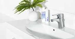 Bathroom sink faucets YS1 0002-UA-YS1-TM2245.With bottom valve and lift bar