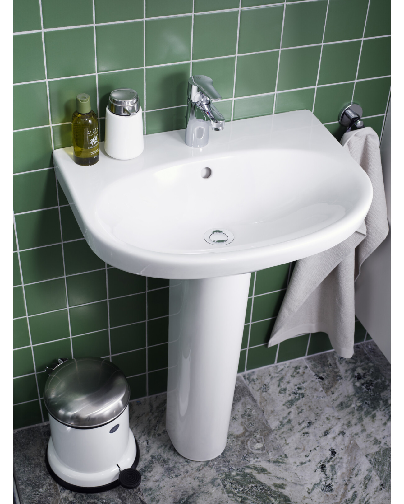 Bathroom sinks YS1 5565.Without faucet hole